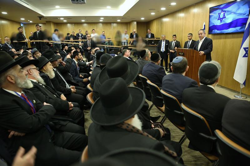 """הרבנים הדת""""לים פנו לרה""""מ נתניהו: """"קדם את חוק יסוד לימוד תורה"""""""