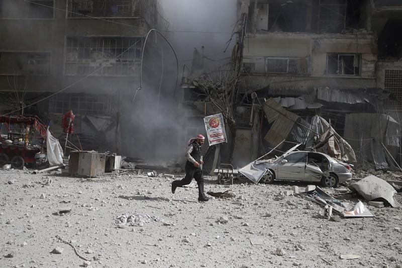 חשש בישראל: נשק כימי עלול לזלוג מהלחימה בסוריה לצפון הארץ