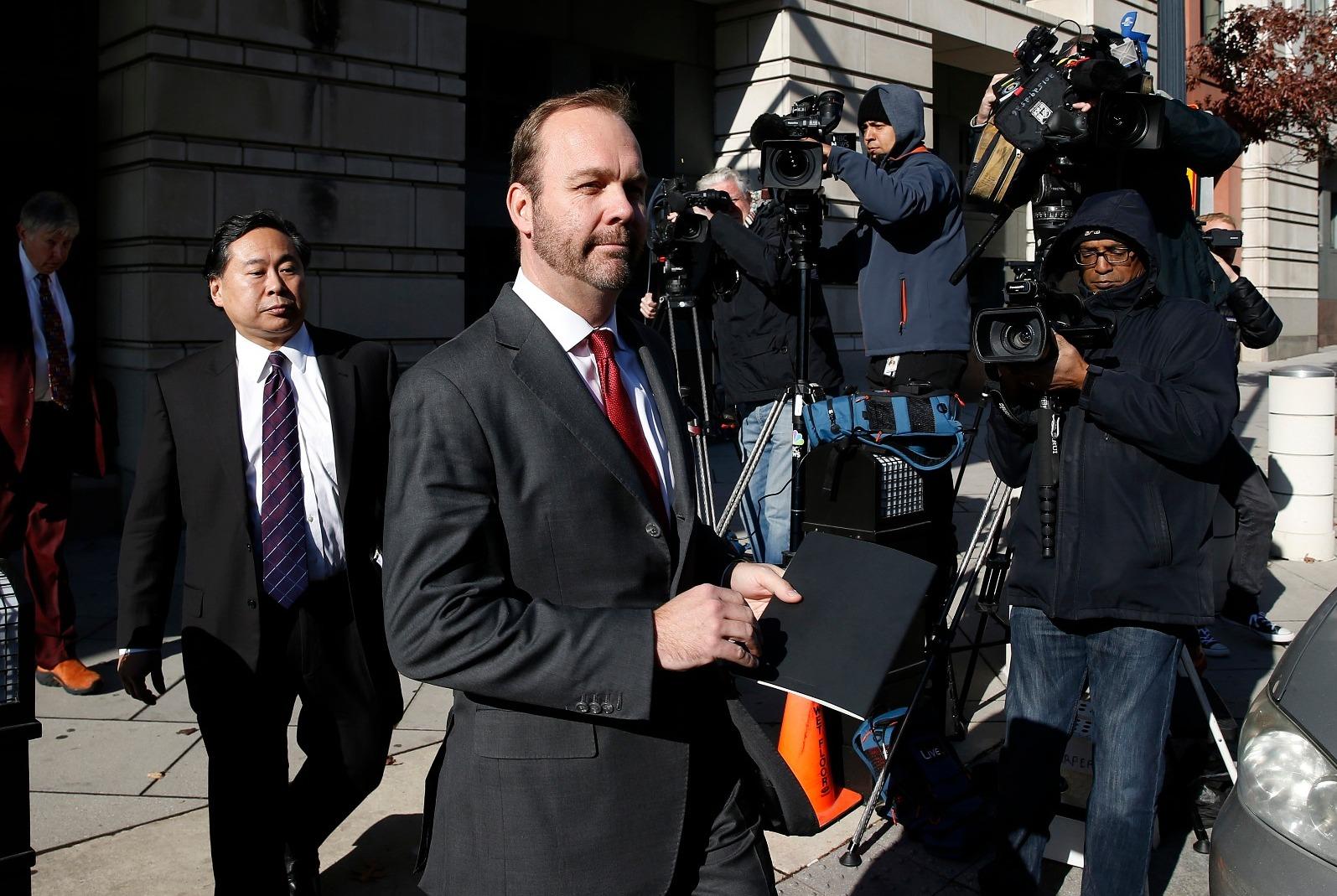 יועץ בכיר של טראמפ קרוב לחתימה על עסקת טיעון