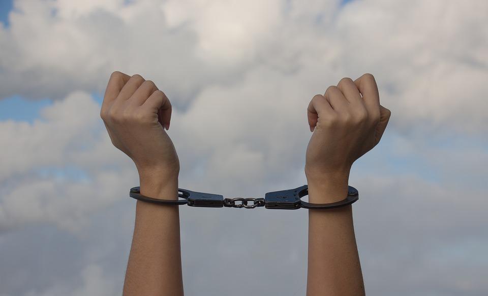 פינת הפאר: מעבר לפחד - סיפורן של נשים שיצאו מהכלא האישי