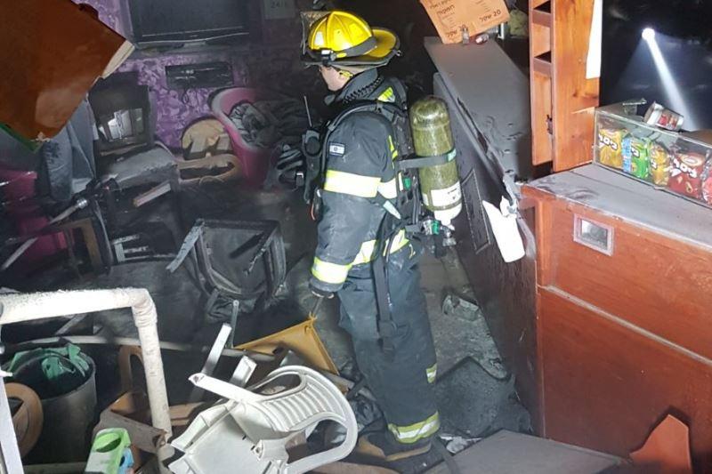 ירושלים: שריפה פרצה בחנות בה שהו חרדים