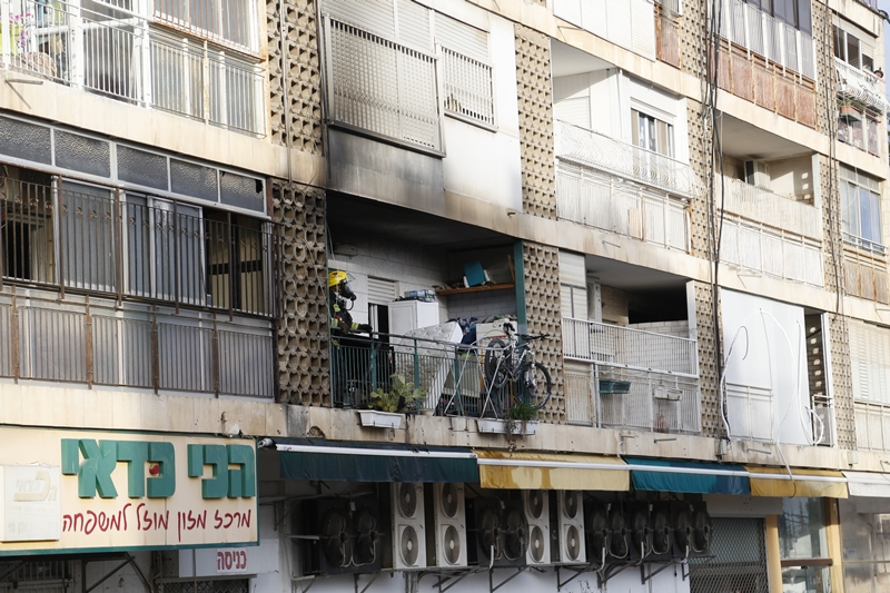 בית וגן: כבת 60 נפצעה אנושות בשריפה