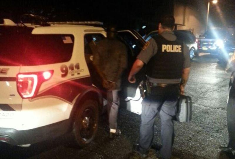 שני שודדים עם אקדח וסכין התנפלו על חרדי