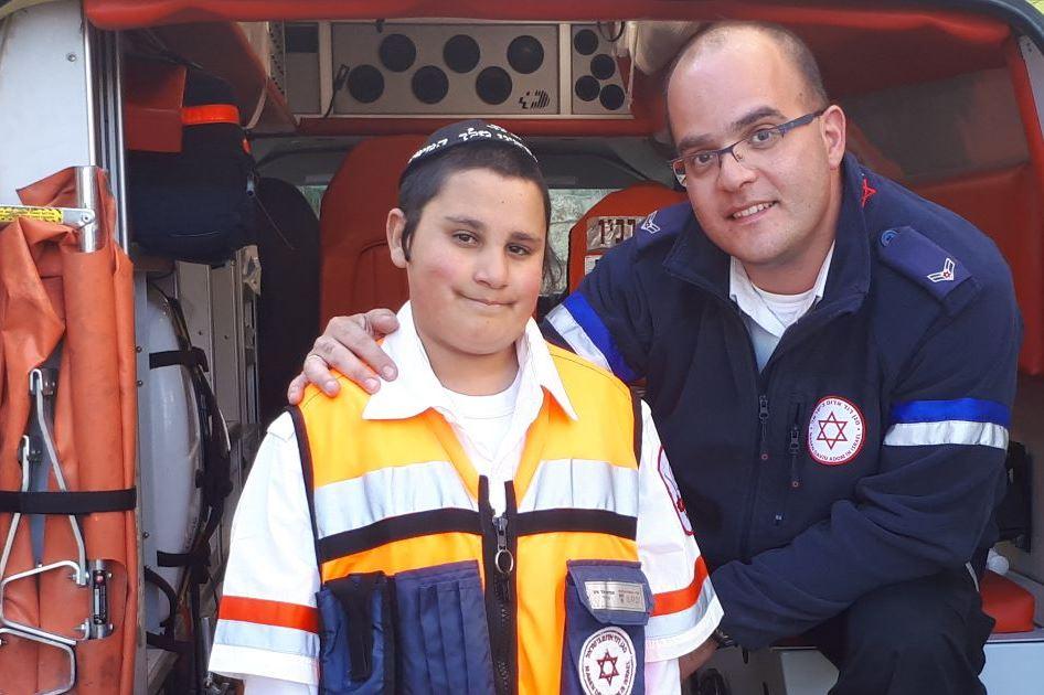"""התחפש למציל חייו: הילד בן ה-12 הגיע לביקור בנט""""ן"""