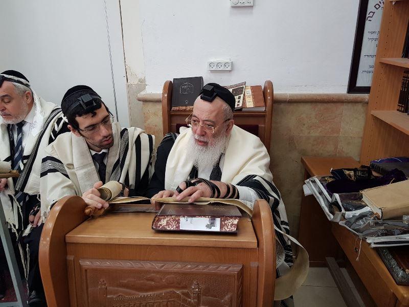 צפו: רבה של ירושלים בקריאת המגילה הבוקר
