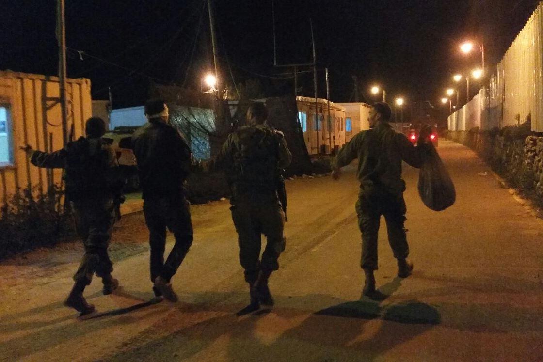 תיעוד: חיילי מילואים חרדים עוצרים מבוקשים