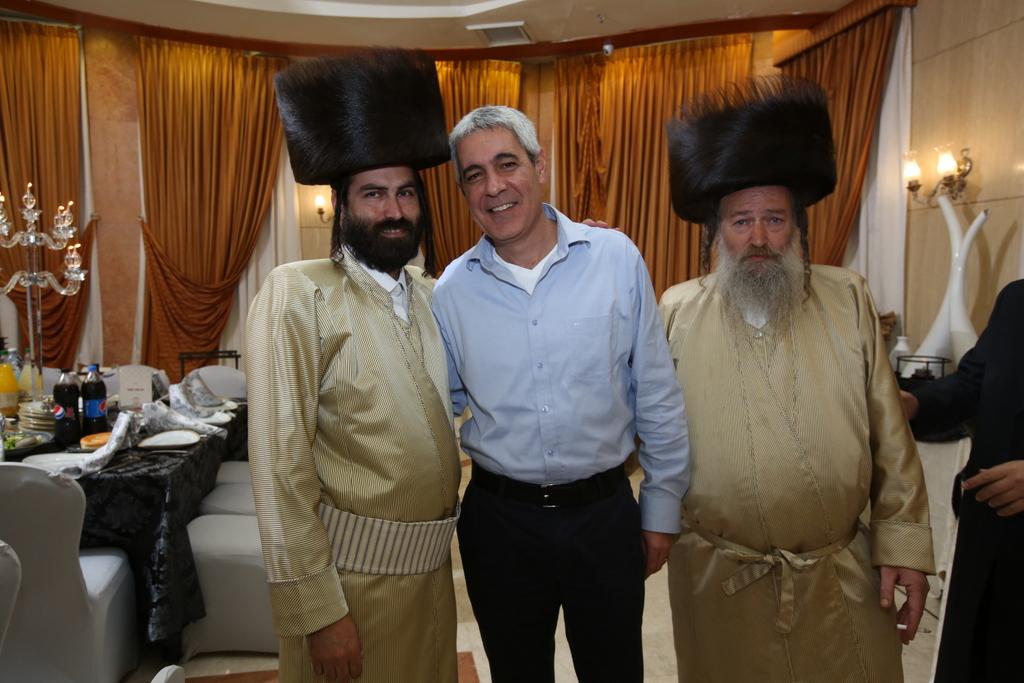 צמרת הרפואה בישראל חגגה: בר מצווה לבן העסקן הרפואי