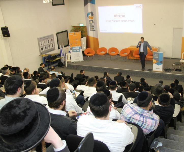 הצעירים החרדים יצילו את עולם הבניה הישראלי