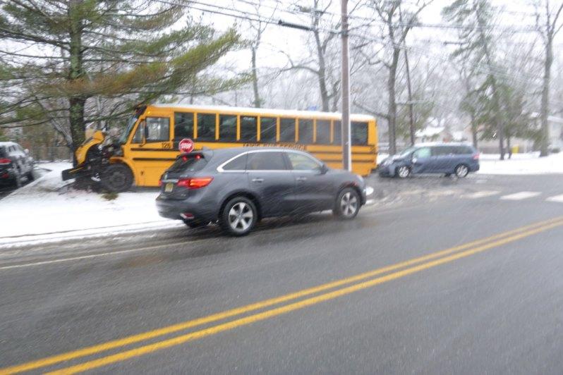 נס בליקווד: אוטובוס ילדים החליק בשלג