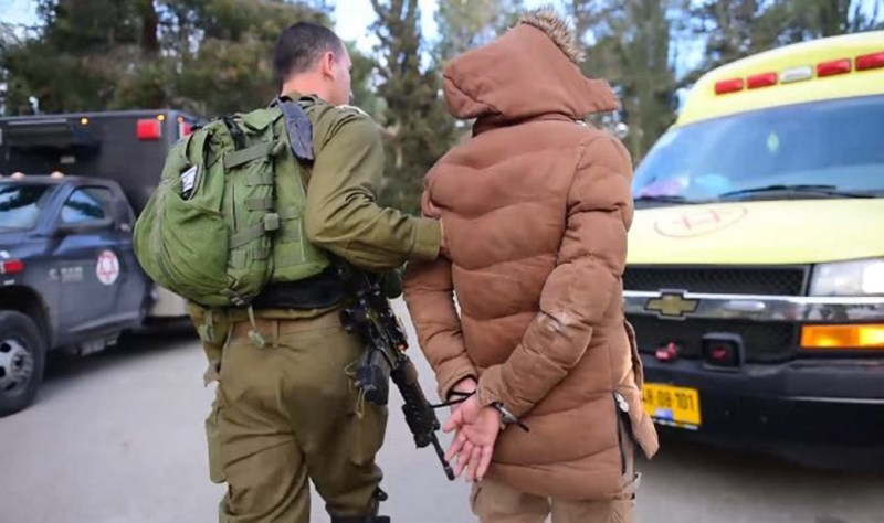 """הותר לפרסום: ישראלים ופלסטיני סחרו באמל""""ח - ונעצרו"""