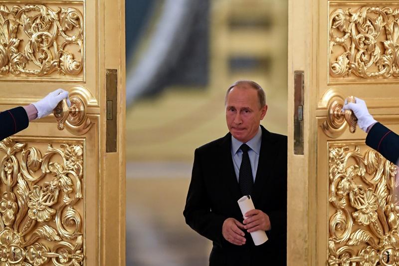 המשבר מחריף: רוסיה תגרש גם היא 23 דיפלומטים
