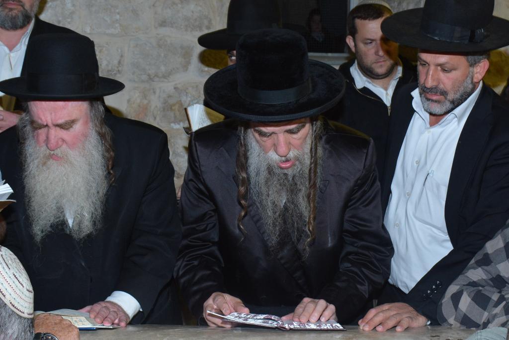 """שיא מתפללים בקבר יוסף לציון """"יסוד שביסוד"""""""