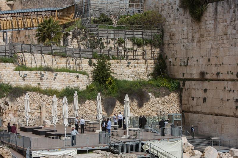 הארכיאולוגים מצטרפים ומתנגדים למתווה הכותל