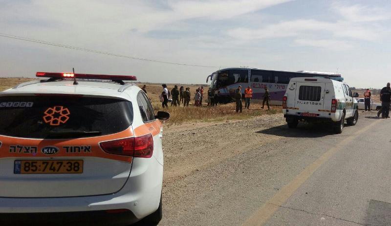 כבן 25 נהרג ונהג אוטובוס נפצע בינוני-קשה