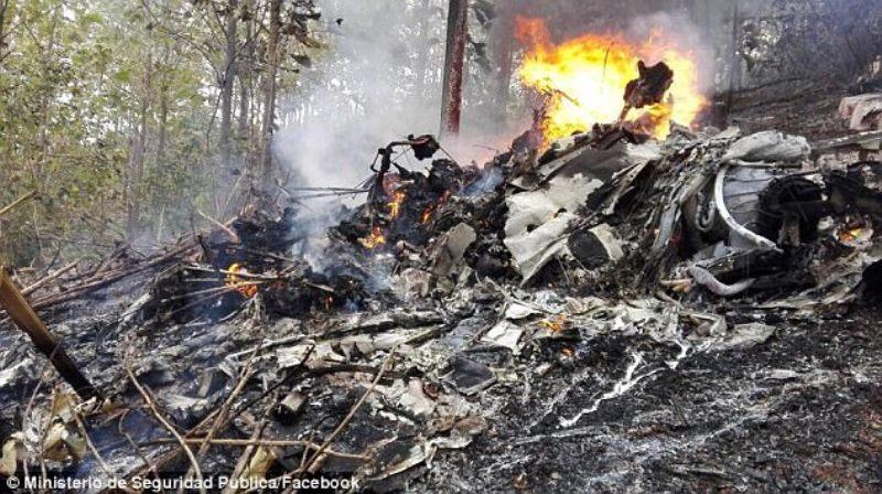 רוסיה: האם והבת ניצלו מהטיסה שהתרסקה