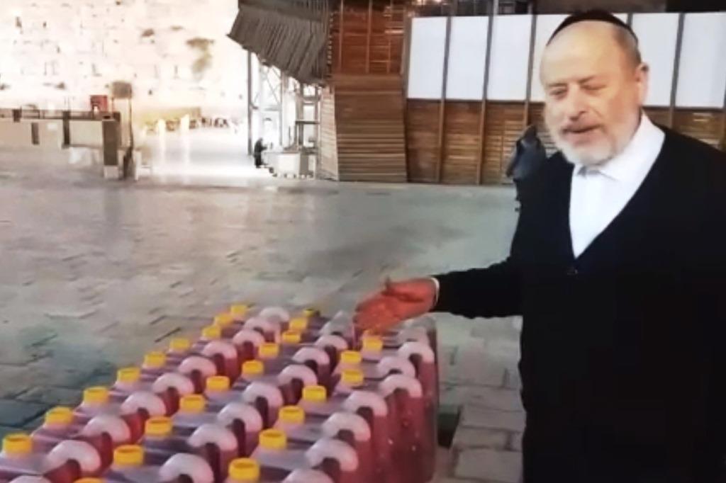 400 אלף כוסות ועשרות אלפי ליטרים של פטל