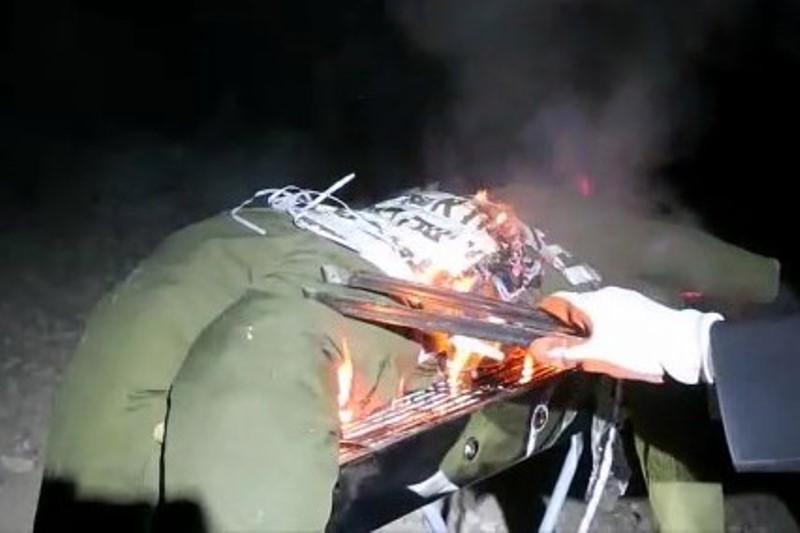 תיעוד מקומם: שרפו על המנגל את החייל החרדי