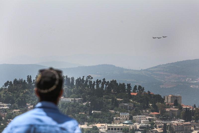 """ירושלים, ת""""א וצפת: צפו בפעלולי המטוסים"""
