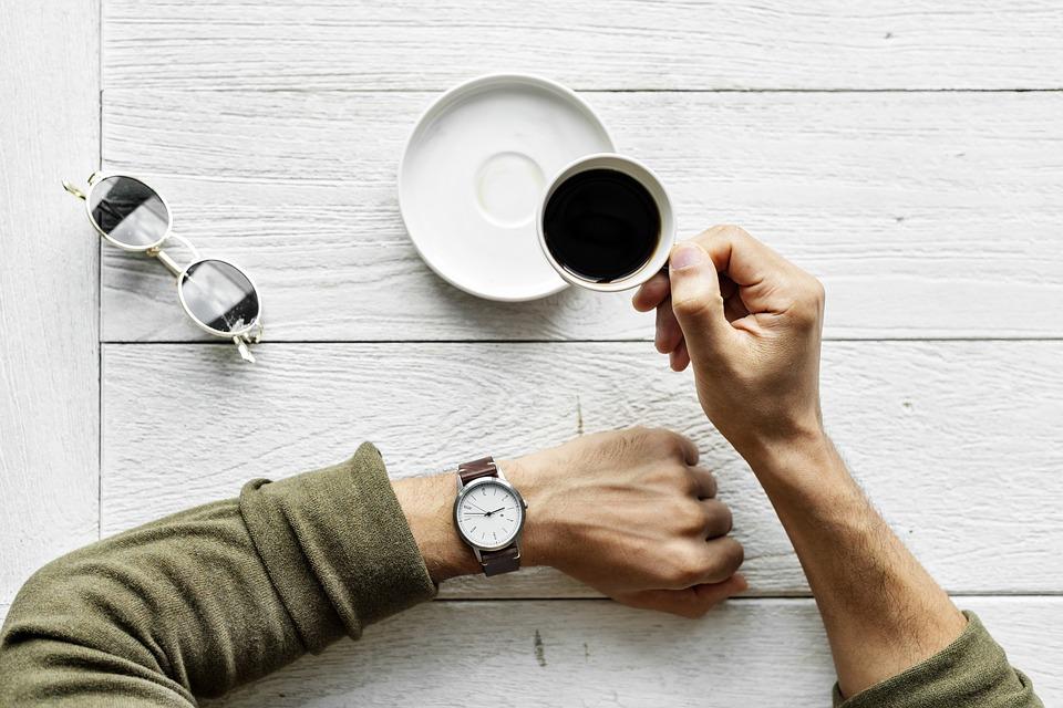 """נתב""""ג: קפה ומים מינרלים ב-5.6 שקלים"""