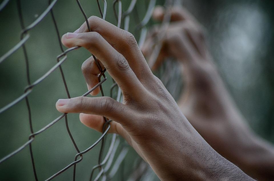 חשד: מנהלת חרדית ביצעה מעשים אסורים בתלמידות