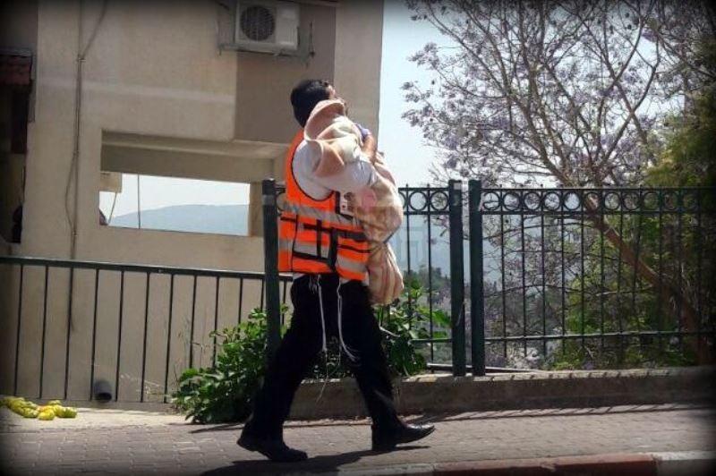 טרגדיה בקהילה החרדית ברכסים: פעוט נמצא ללא רוח חיים ברכב