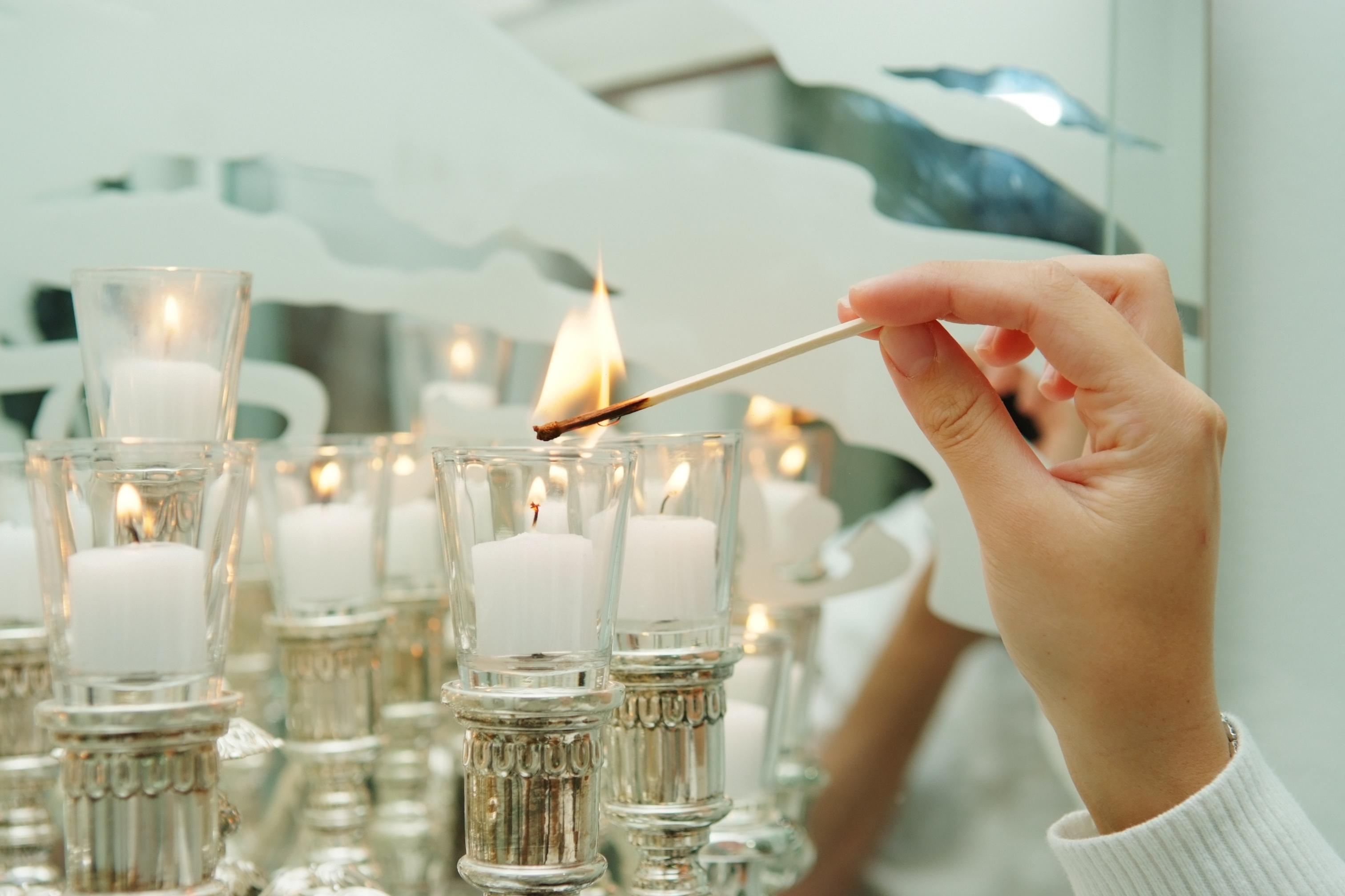 נרות שבת חשמליים: הפתרון האולטימטיבי לנשים מאושפזות