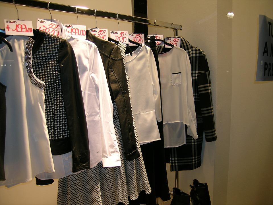 המעצבים הזועמים יחלקו בגדים  חינם