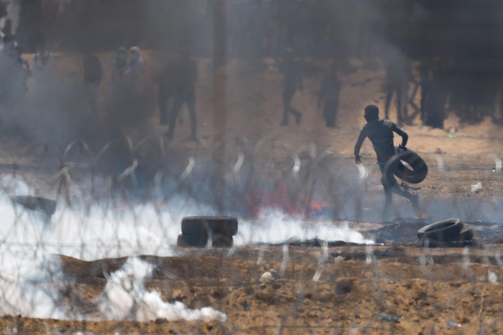 אלפי מפגינים על גבול עזה; פלשתיני נהרג