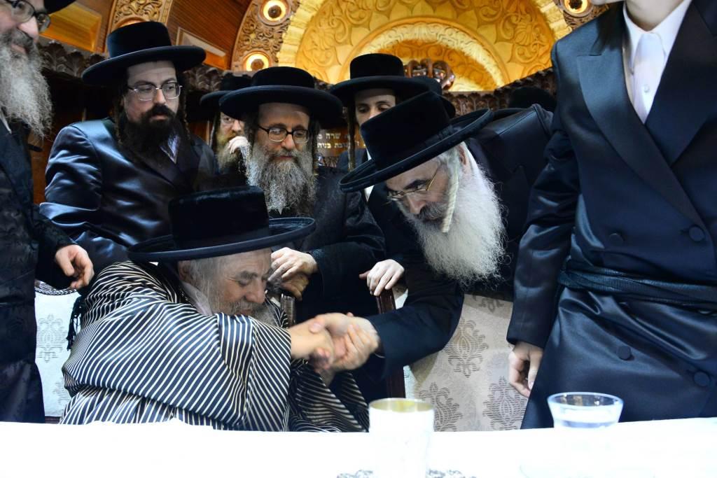 חגיגה בחסידות: הרבי אירס את בת הזקונים עם נכד הפוסק הישיש