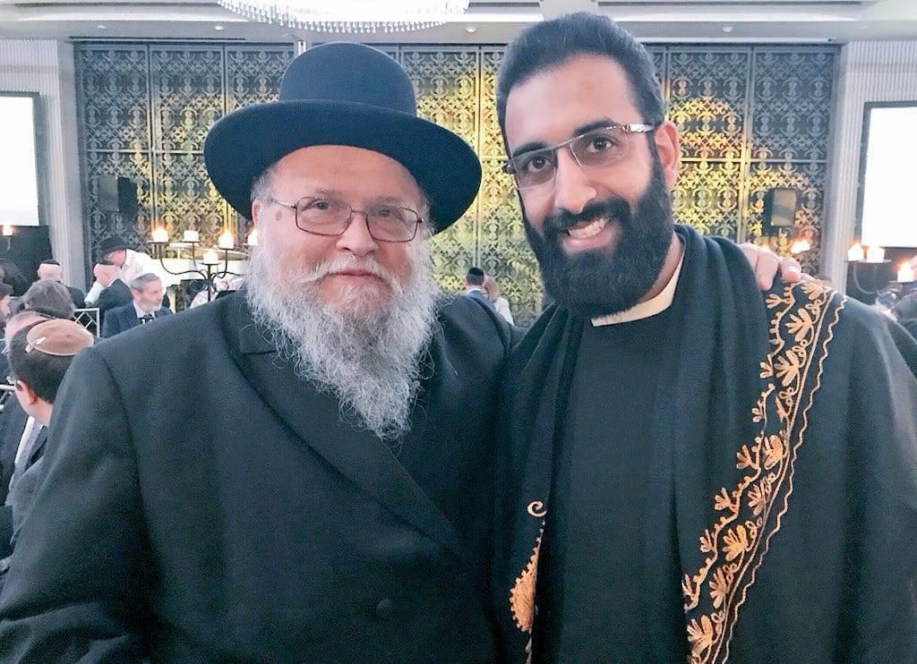 מוסלמי מסוג אחר; אוהב ישראל ומסתכן בחייו