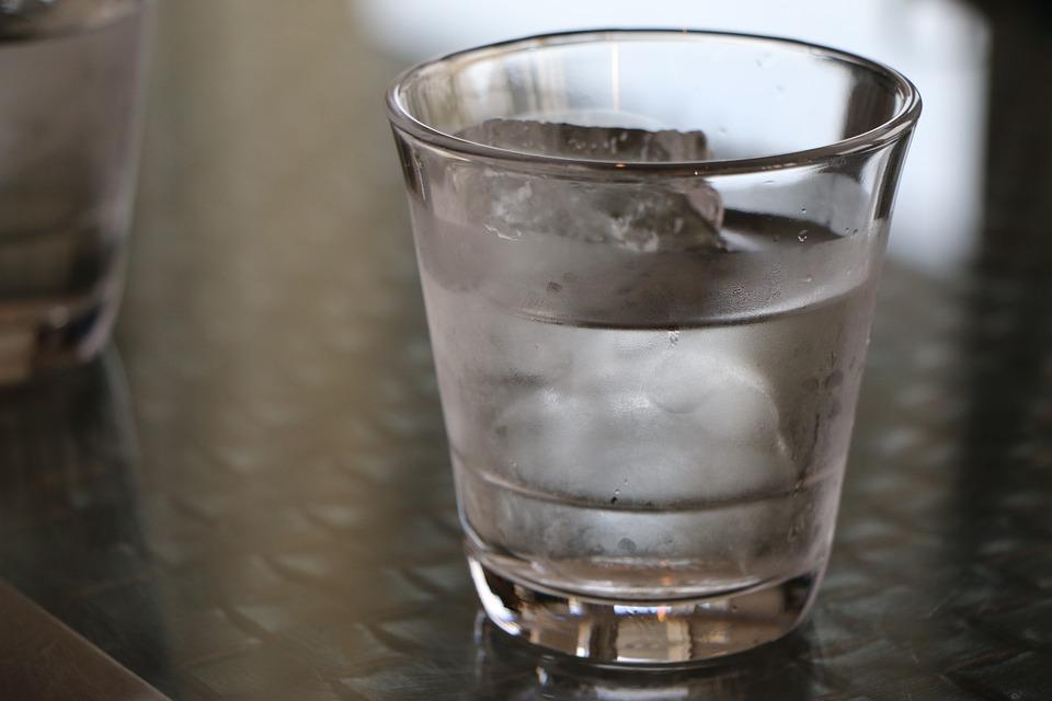 סערה בכוס מים: הח