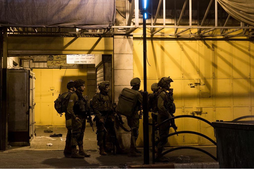 חיילים נכנסו לגוש 80 וחולצו מבין הקיצוניים