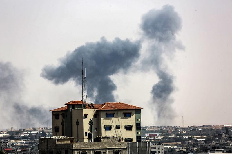 """שלוש רקטות שוגרו הלילה לעבר ישראל: צה""""ל תקף תשעה יעדים"""