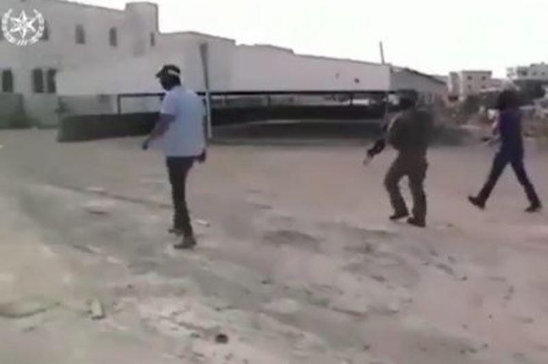 צפו: מסתערבים מסתערים על החשודים בגניבת הנשק בנגב