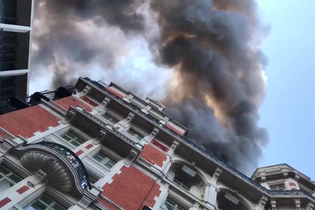שבוע לאחר השיפוץ: מלון היוקרה עלה בלהבות