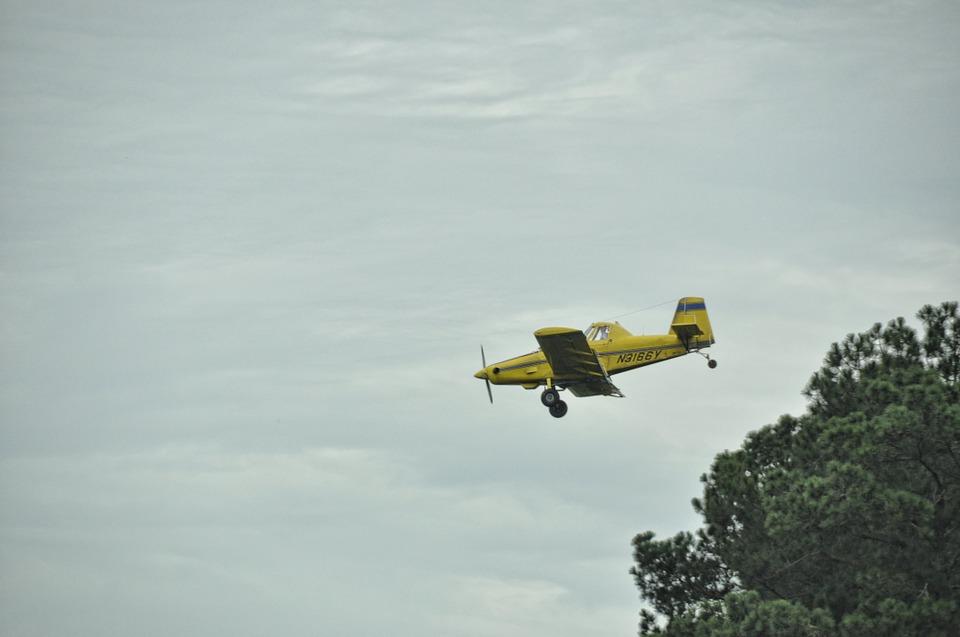 """מטוס קל התרסק בצפון - הטייס הוטס לרמב""""ם"""