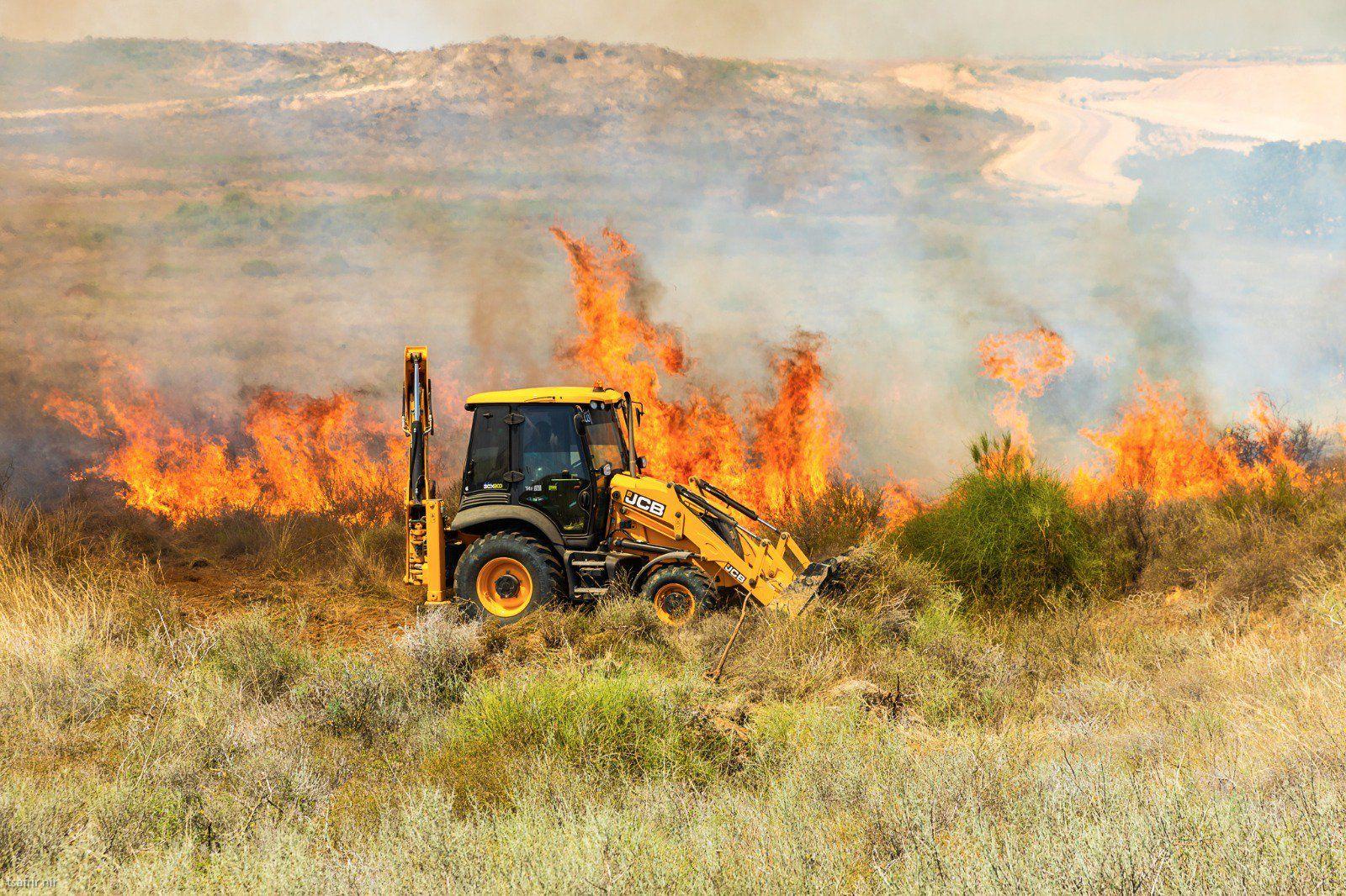 אש משתוללת בעוטף עזה; צה