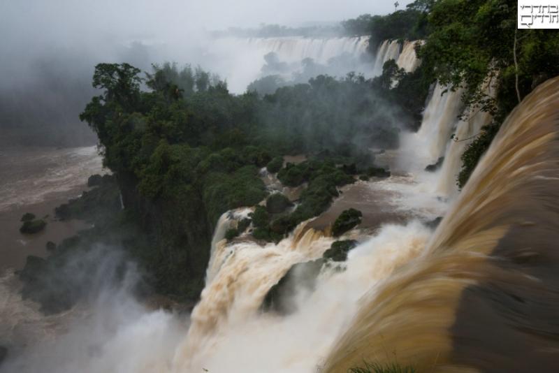 תיעוד עוצר נשימה ממפלי האיגואסו