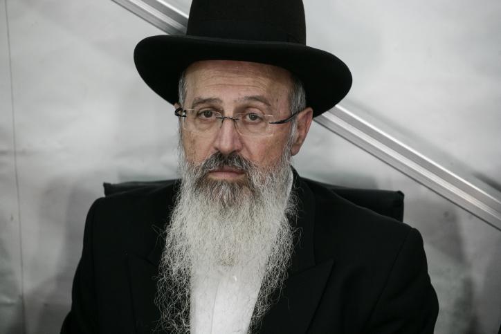 הרב אברהם יוסף השעה עצמו מענייני הכשרות בעיר חולון