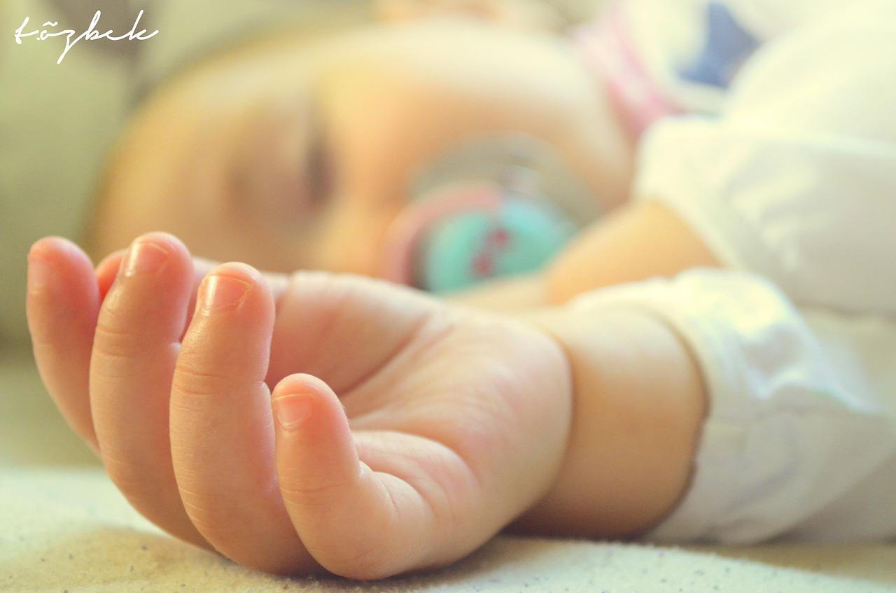 מזעזע: תינוקות בלי אוכל