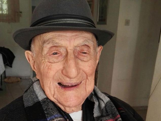 """האיש המבוגר בעולם: ישראל קרישטל ז""""ל הלך לעולמו בגיל 114"""