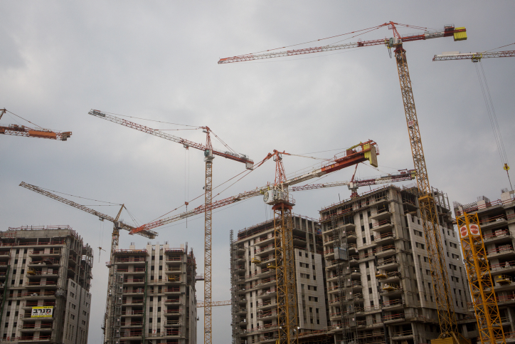 קנס מיליונים ומאסר על תנאי לקבלן שחרג בבניה