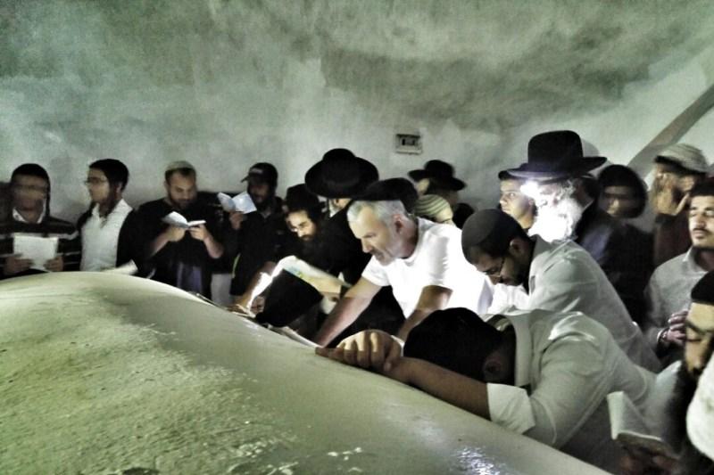רבבה בעלייה לקברו של יהושע בן נון