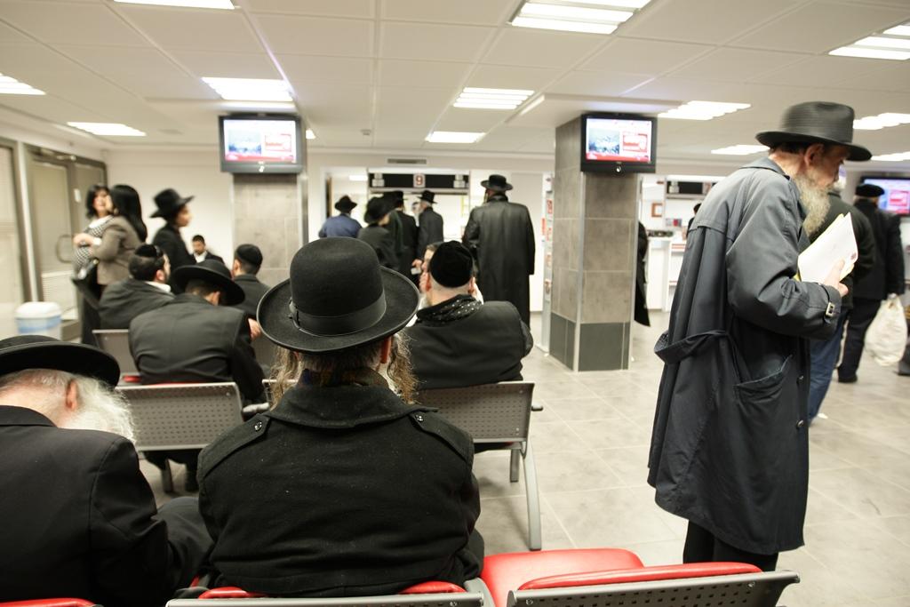 בשורה לנהגים: הנפקת רישיונות רכב - גם בסניפי דואר ישראל