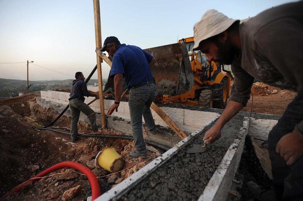 שיא בהעסקת עובדים פלסטינים בישראל