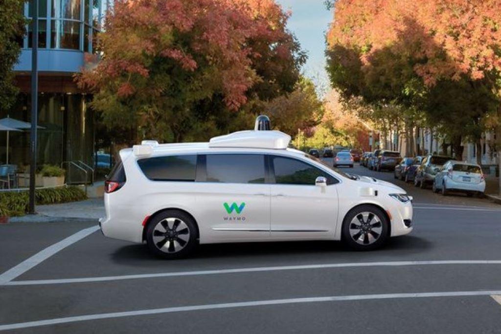 גוגל משאירה מאחור את יצרניות המכוניות האוטונומיות