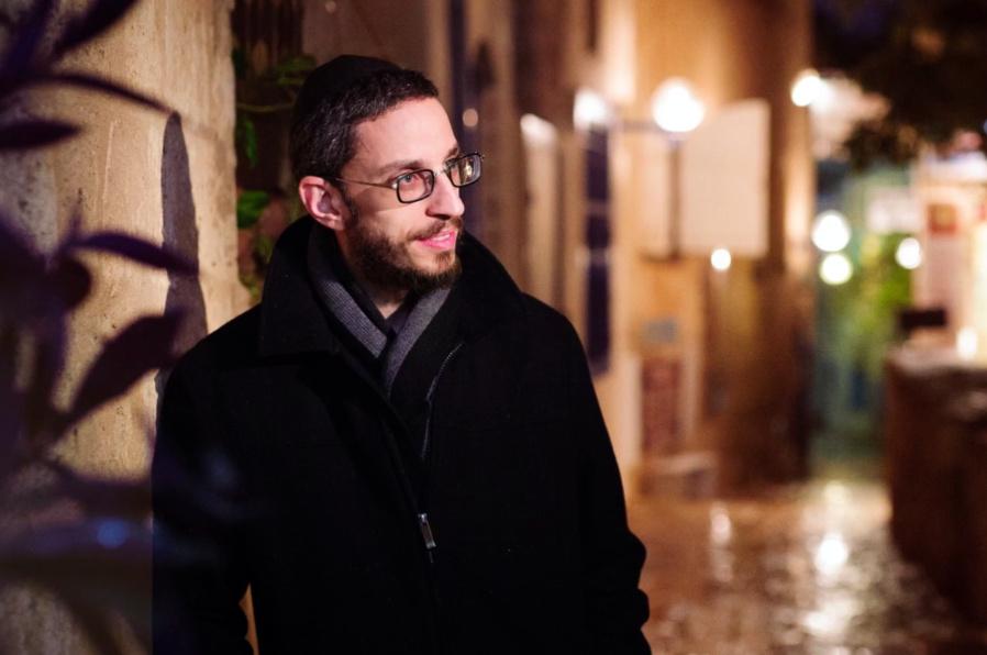 שמחה פרידמן בסינגל בסגנון ישראלי • צפו