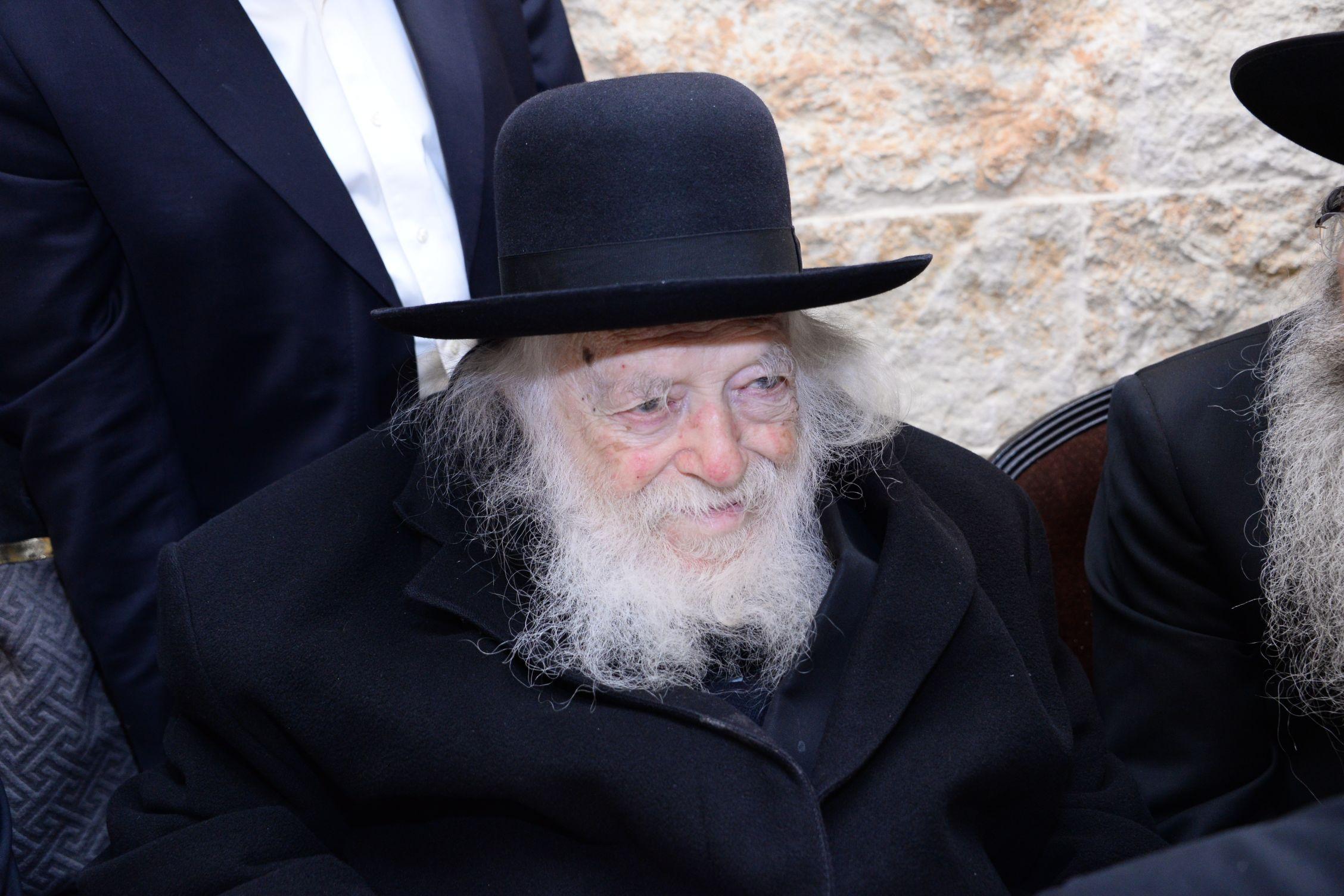 הספר על הרבנית קנייבסקי; 5,000 עותקים תוך שבוע