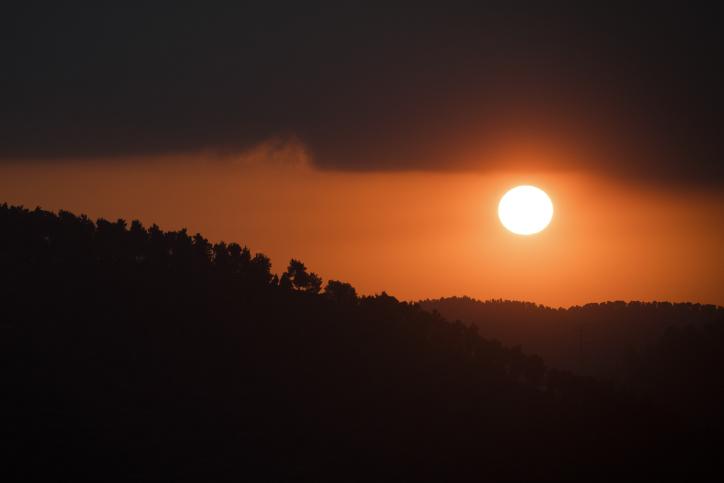 עוצר נשימה: דמדומי חמה בפרוזדור ירושלים