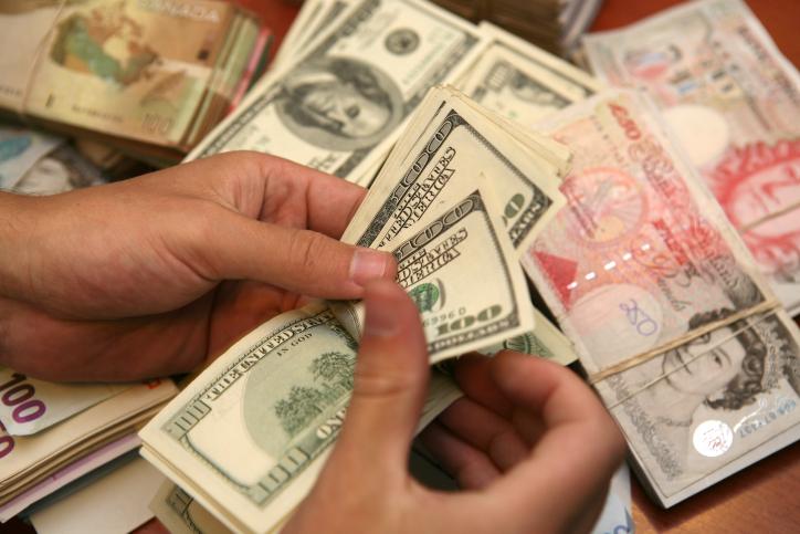 הדולר מתחזק מול השקל - היורו נחלש